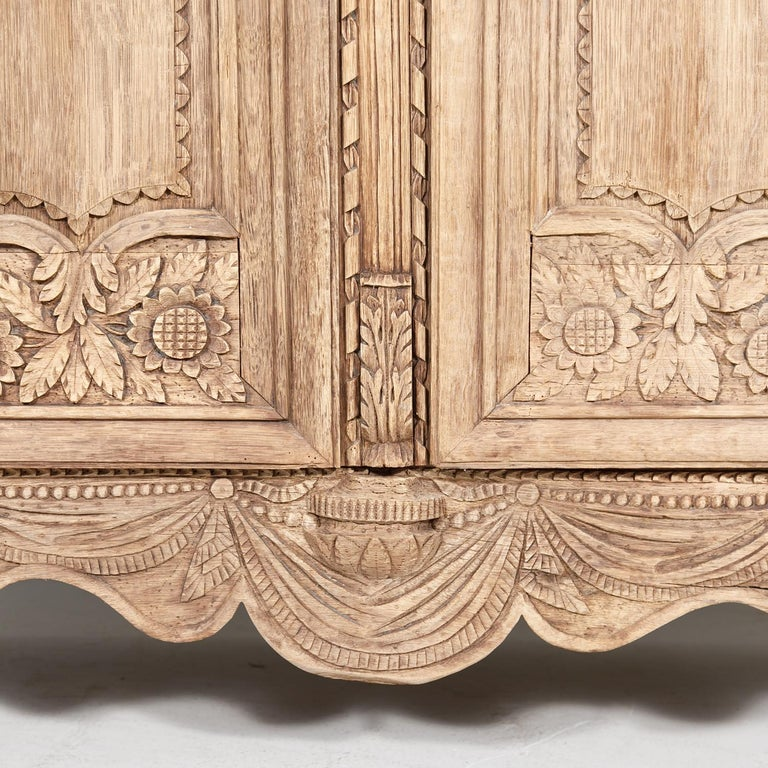 19th Century French Country Louis XV Style Bleached Oak Normandy Wedding Armoire For Sale 5