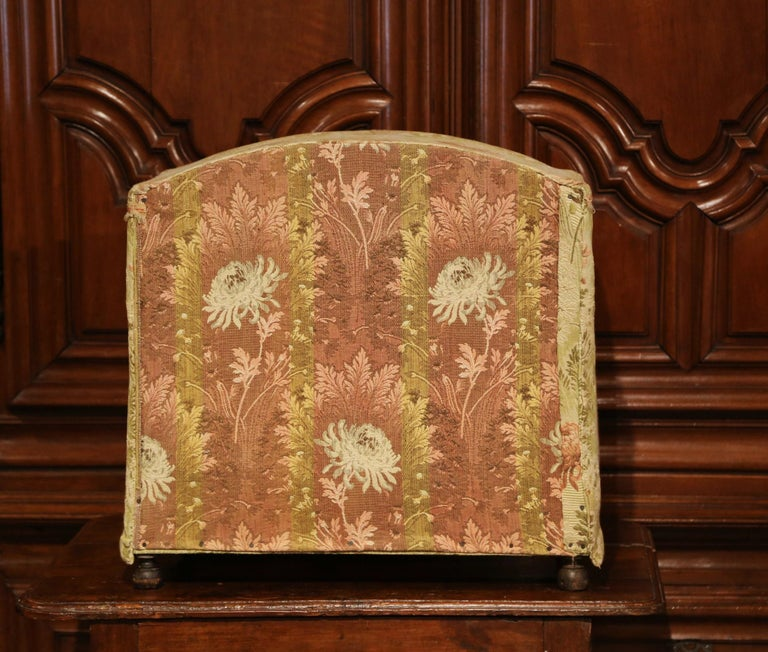 19th Century French Directoire Carved Oak Four-Post Dog House and Vintage Fabric For Sale 6