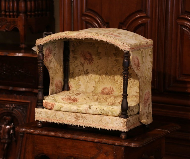 Hand-Carved 19th Century French Directoire Carved Oak Four-Post Dog House and Vintage Fabric For Sale
