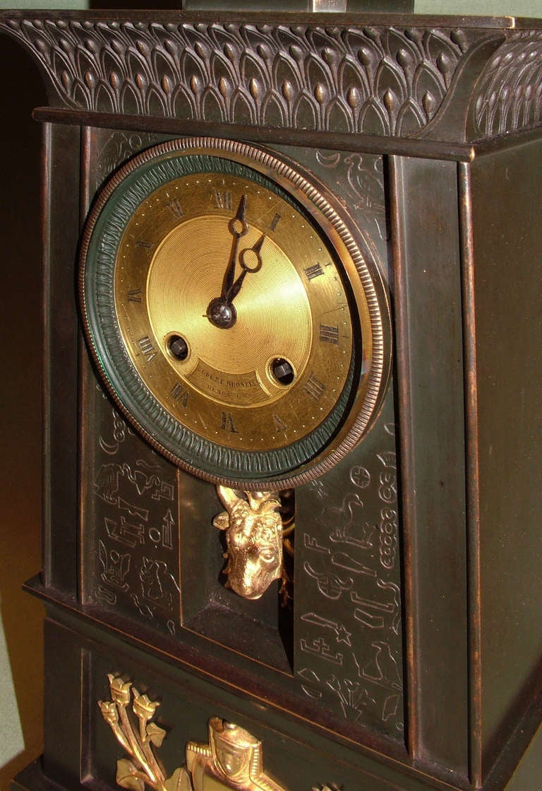 19th century French Empire Bronze and Ormolu Egyptian Style Clock In Good Condition For Sale In London, GB
