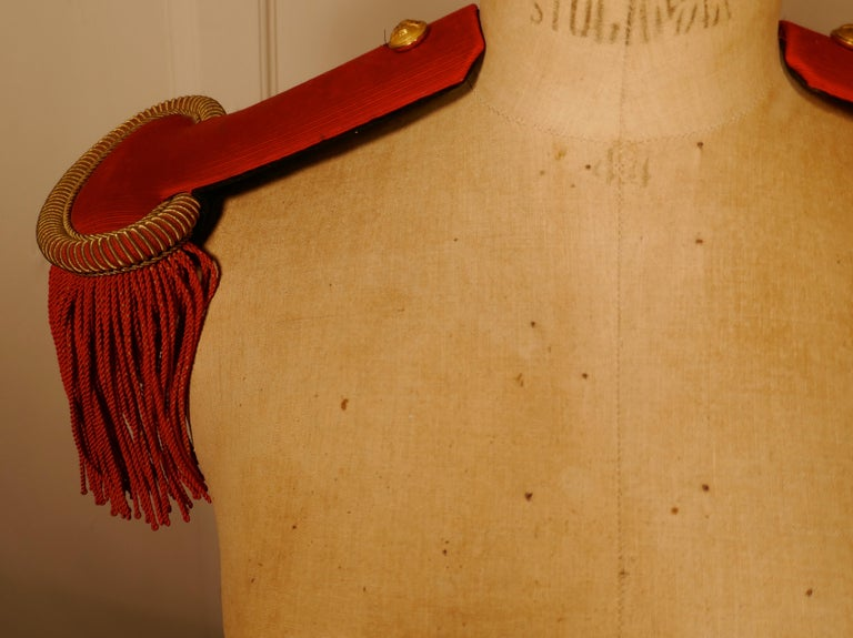19th Century French First Officer's Uniform Red Epaulettes In Good Condition For Sale In Chillerton, Isle of Wight