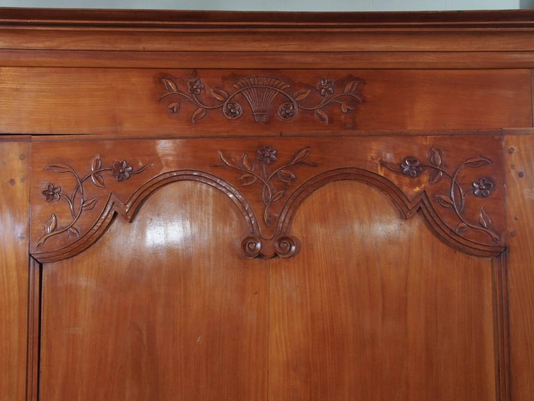 19th Century French Fruitwood Bonnetierre In Excellent Condition For Sale In New Orleans, LA