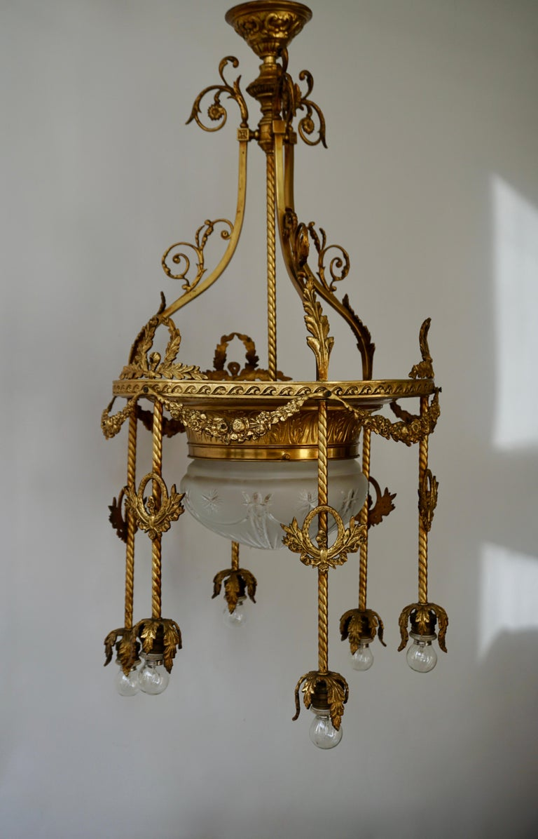 19th Century French Gilt Bronze and Crystal Aesthetic Seven-Light Chandelier In Good Condition For Sale In Antwerp, BE