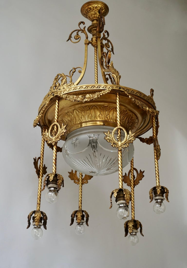 19th Century French Gilt Bronze and Crystal Aesthetic Seven-Light Chandelier For Sale 1