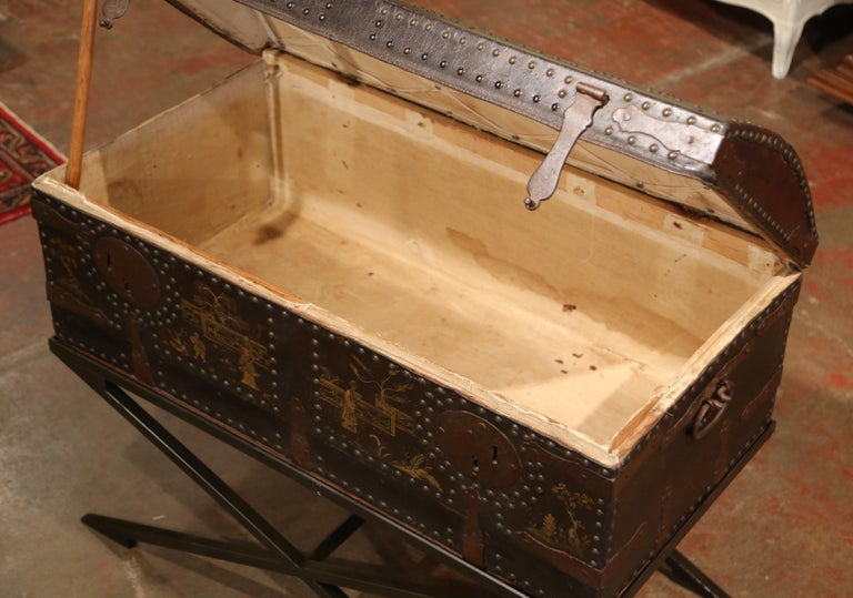 19th Century French Gothic Leather Trunk in Iron Base with Chinoiserie Decor For Sale 1