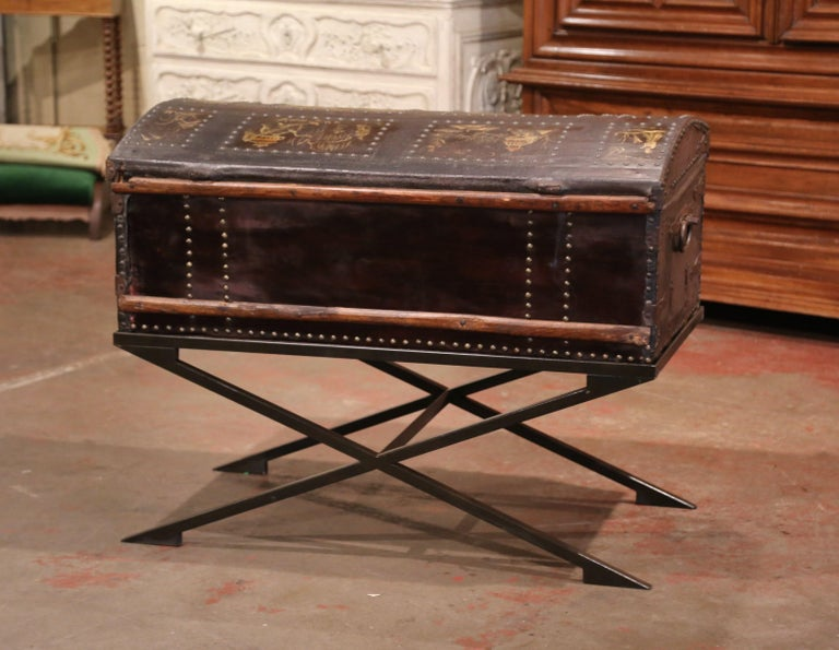 19th Century French Gothic Leather Trunk in Iron Base with Chinoiserie Decor For Sale 3