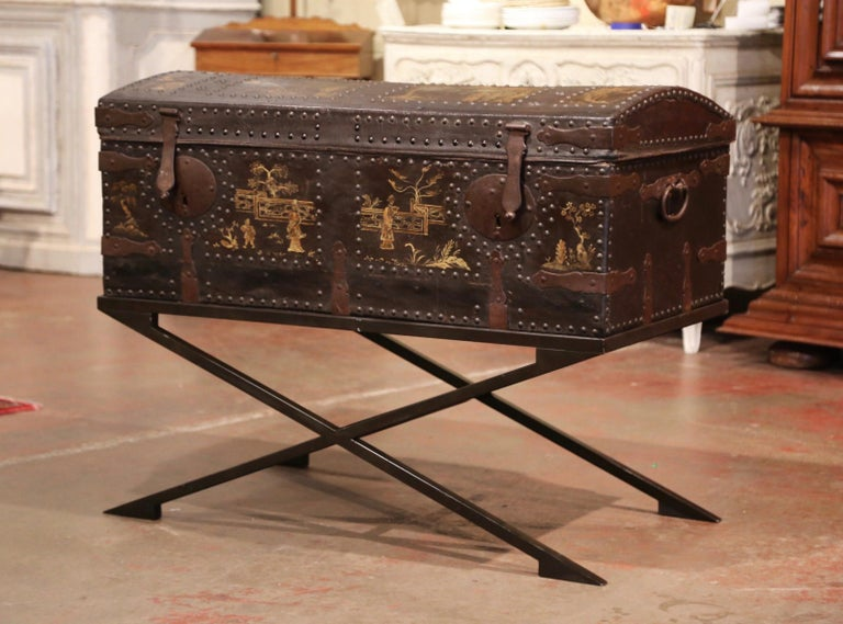 19th Century French Gothic Leather Trunk in Iron Base with Chinoiserie Decor For Sale 4