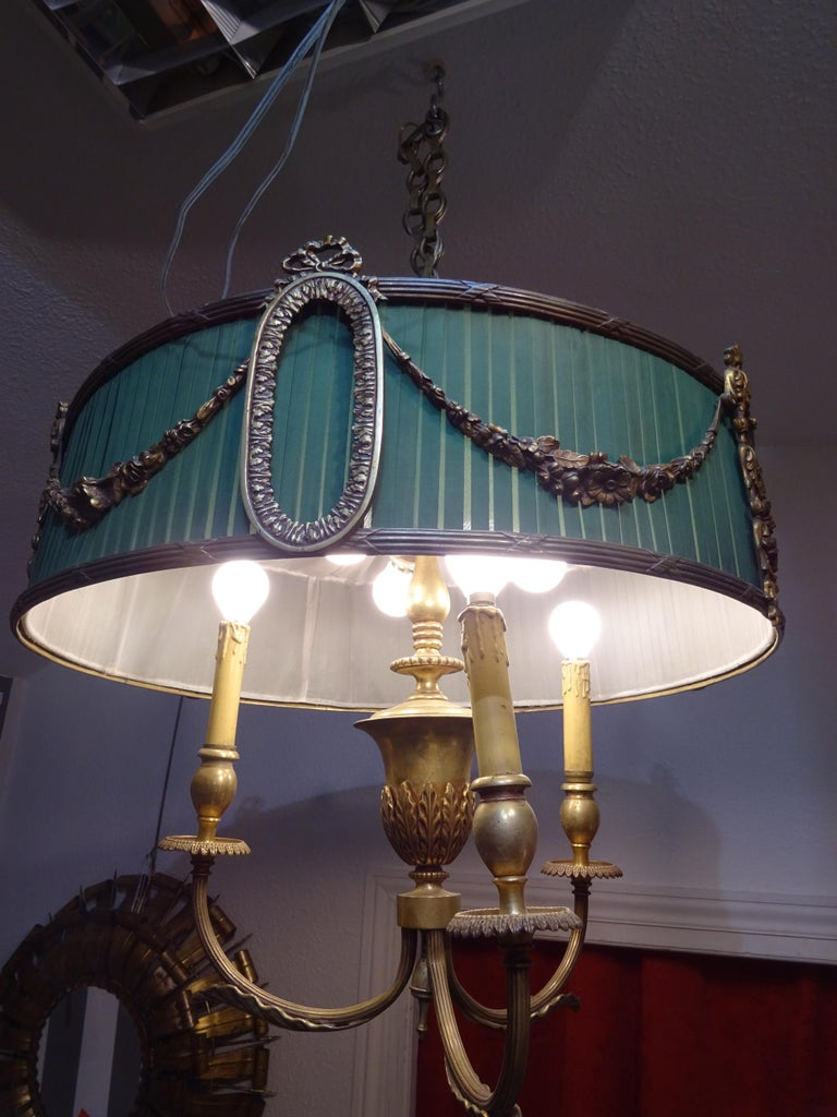 Louis XVI 19th Century French Green Napoleón III Bouillotte Chandelier For Sale