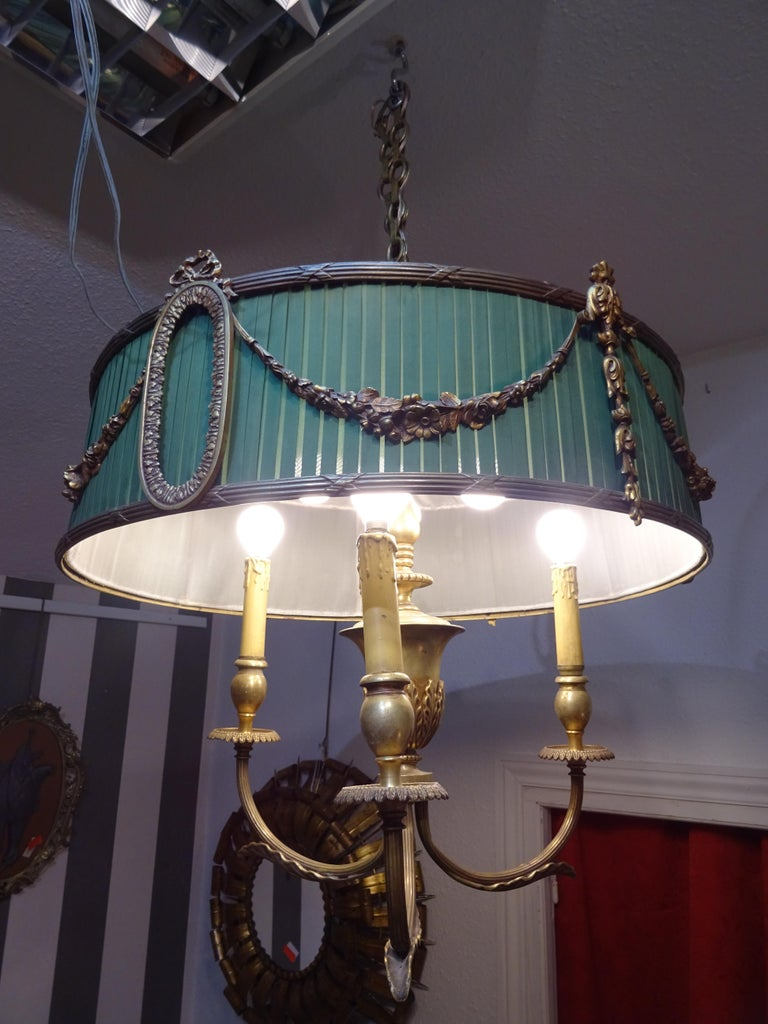 19th Century French Green Napoleón III Bouillotte Chandelier In Good Condition For Sale In Valladolid, ES