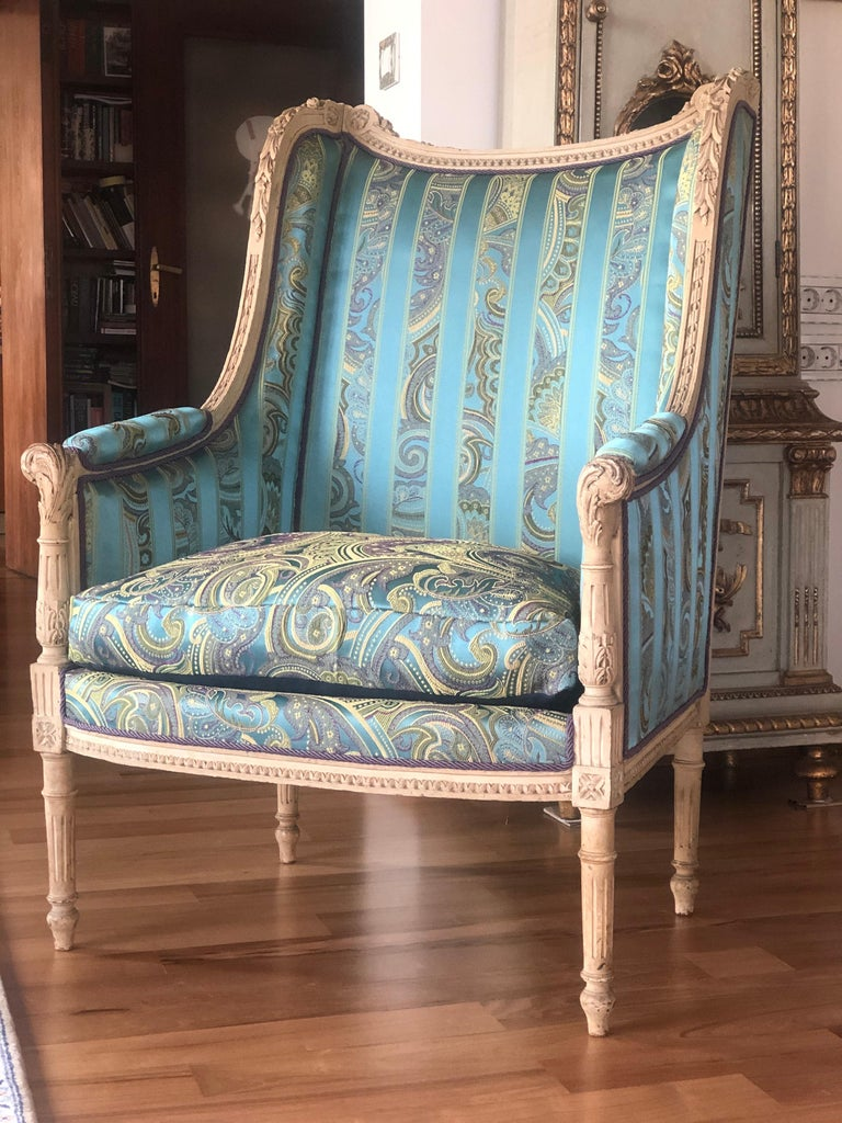 19th Century French Hand Carved Bergere Chairs - Armchairs in Louis XVI Style For Sale 4