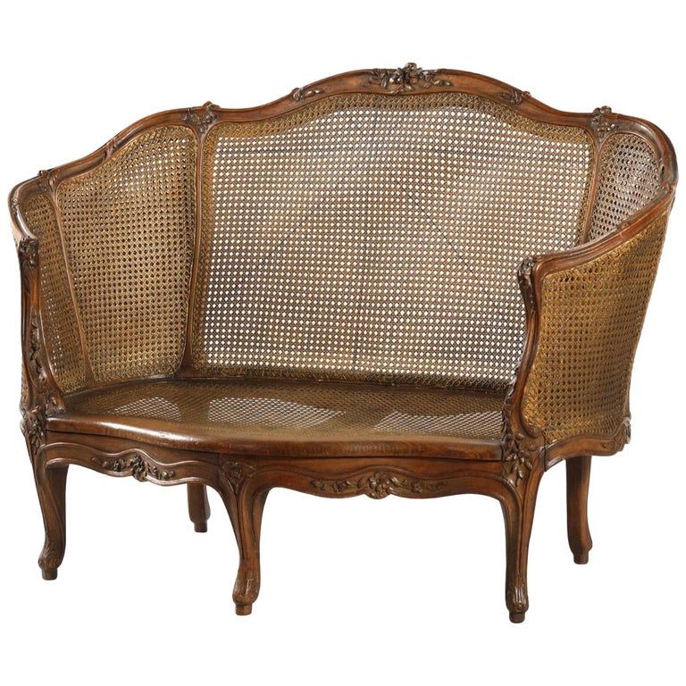 "19th Century French Hand Carved Walnut Sofa ""Corbeille"" in Louis XV Style For Sale"