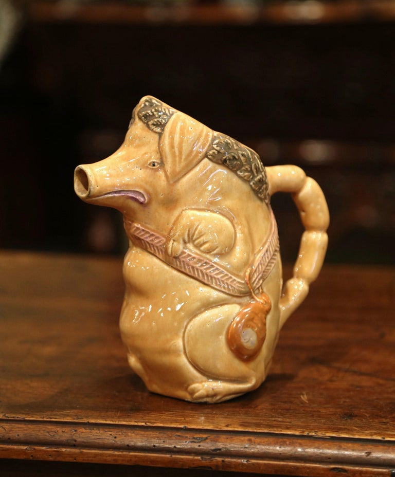 19th Century French Hand Painted Ceramic Barbotine Pig Pitcher Onnaing Style In Excellent Condition For Sale In Dallas, TX