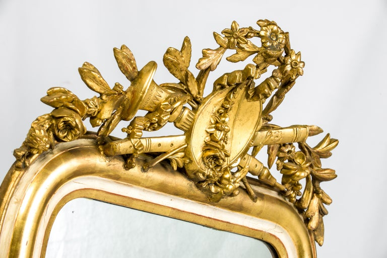 19th-Century French Louis Philippe Gold Leaf Gilt Mirror with Crest In Good Condition For Sale In Casteren, NL