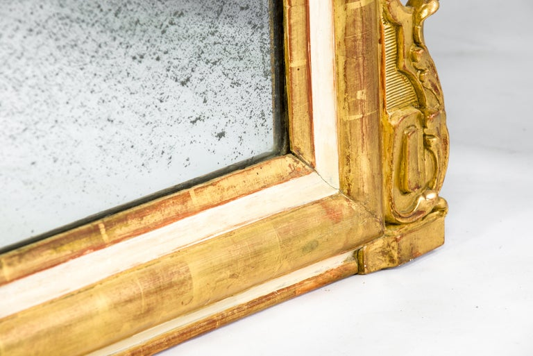 19th-Century French Louis Philippe Gold Leaf Gilt Mirror with Crest For Sale 3