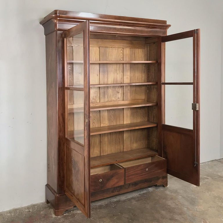 19th Century French Louis Philippe Mahogany Bookcase For Sale 1