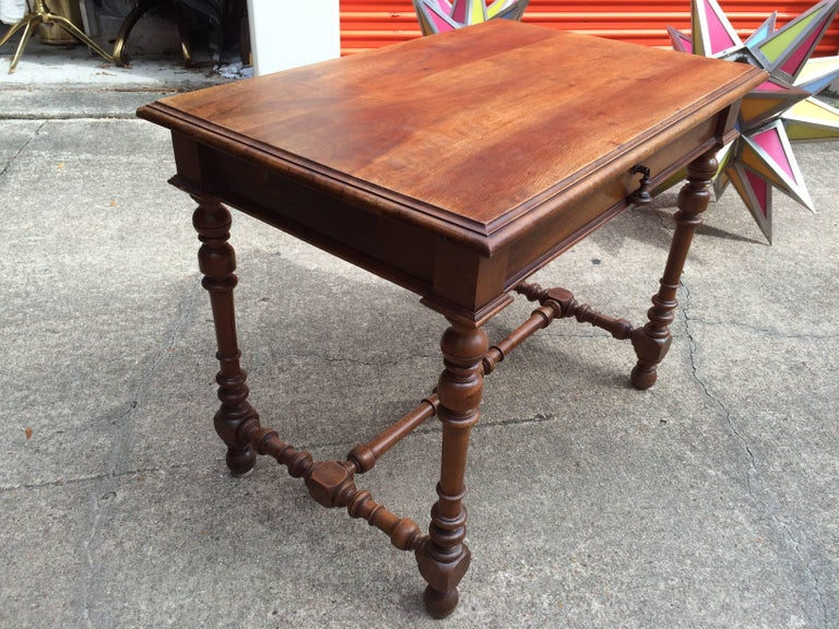 19th Century French Louis XIII Style Walnut Table For Sale 1