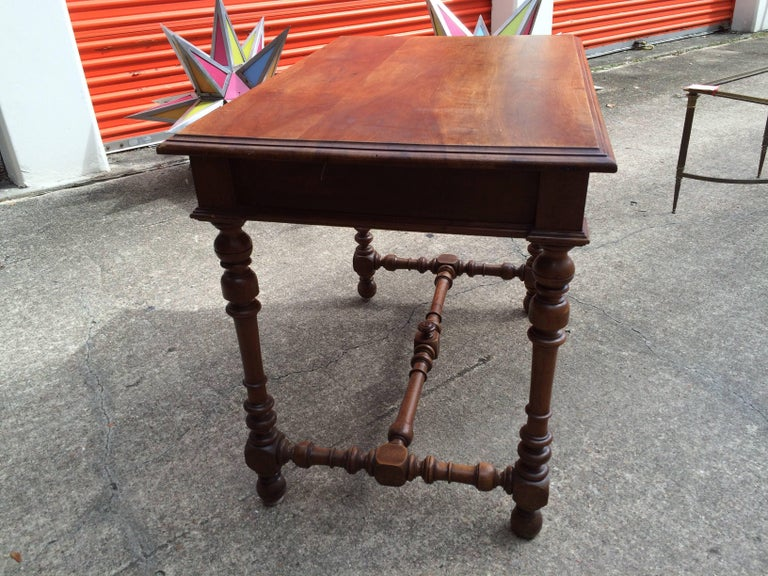 19th Century French Louis XIII Style Walnut Table For Sale 2