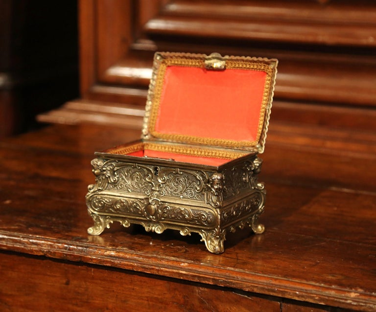 Hand-Crafted 19th Century French Louis XV Brass Plated Bombe Jewelry Box with Repousse Decor For Sale