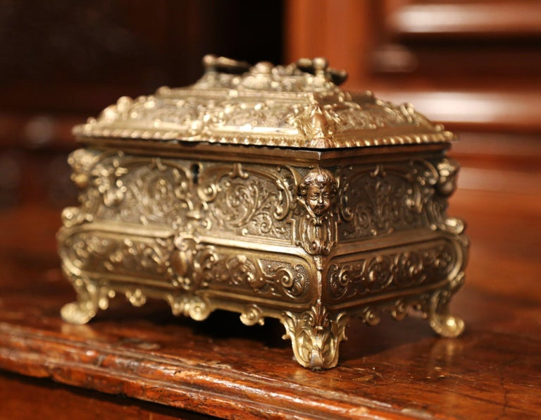 19th Century French Louis XV Brass Plated Bombe Jewelry Box with Repousse Decor In Excellent Condition For Sale In Dallas, TX