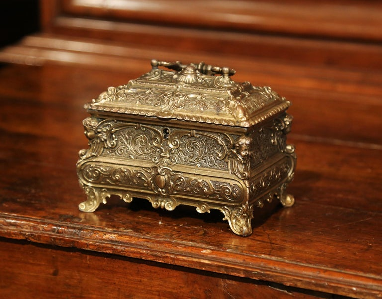 19th Century French Louis XV Brass Plated Bombe Jewelry Box with Repousse Decor For Sale 1