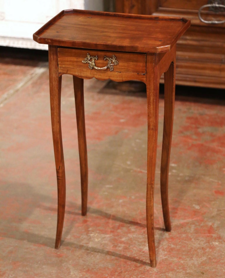19th Century French Louis XV Carved Walnut Side Table with Drawer In Excellent Condition For Sale In Dallas, TX