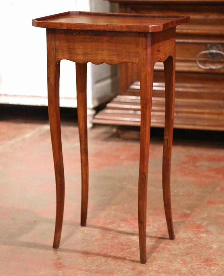 19th Century French Louis XV Carved Walnut Side Table with Drawer For Sale 5