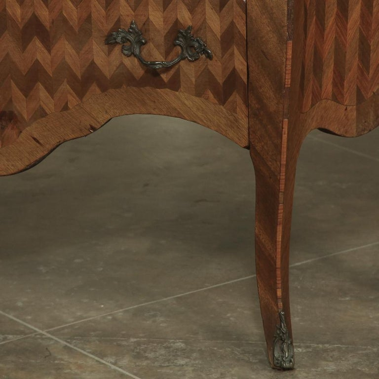19th Century French Louis XV Marble-Top Marquetry Bombe Commode For Sale 5