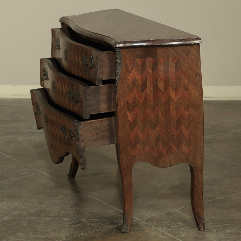 19th Century French Louis XV Marble-Top Marquetry Bombe Commode In Good Condition For Sale In Dallas, TX