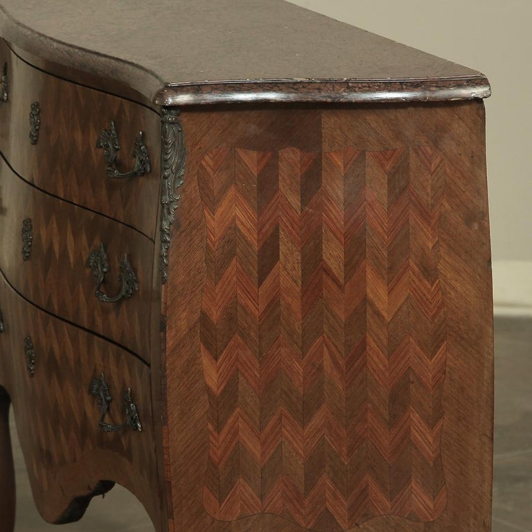 19th Century French Louis XV Marble-Top Marquetry Bombe Commode For Sale 1