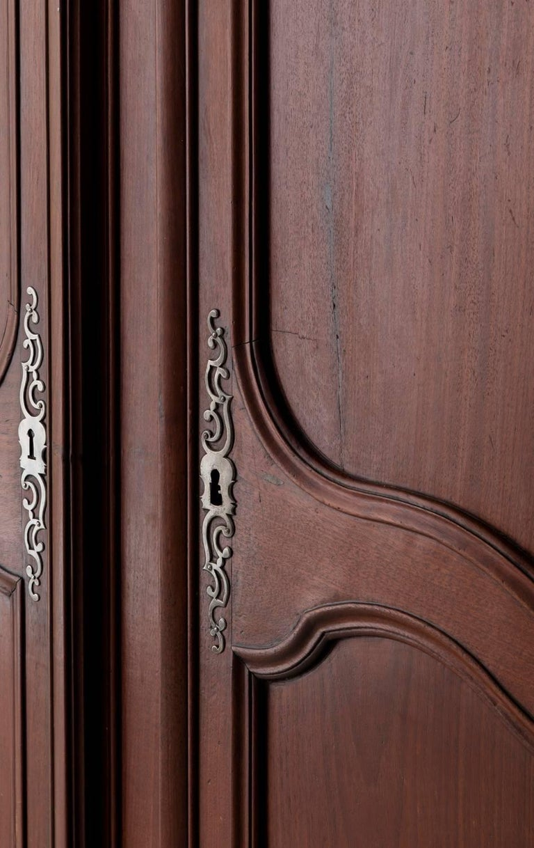 19th Century French Louis XV Style Mahogany Armoire For Sale 6