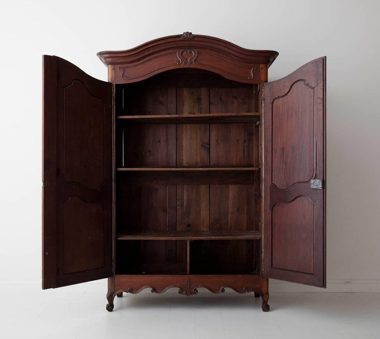 19th Century French Louis XV Style Mahogany Armoire For Sale 7