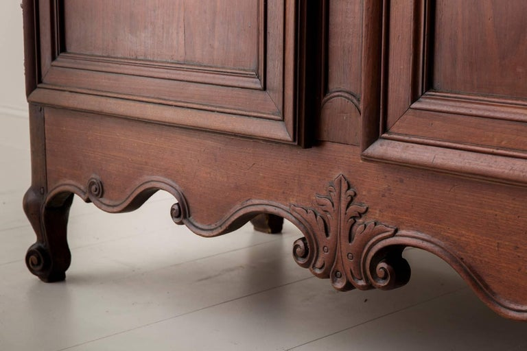 19th Century French Louis XV Style Mahogany Armoire For Sale 2