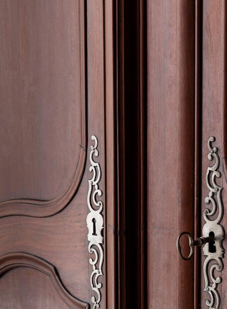 19th Century French Louis XV Style Mahogany Armoire For Sale 5