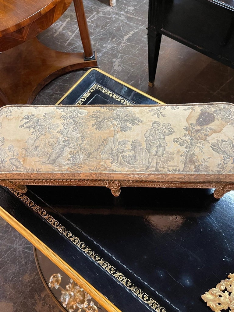 19th Century French Louis XVI Carved and Giltwood Stool For Sale 1