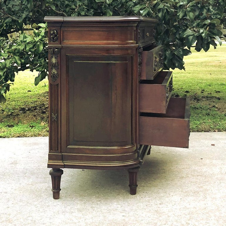 19th Century French Louis XVI Mahogany Commode For Sale 3
