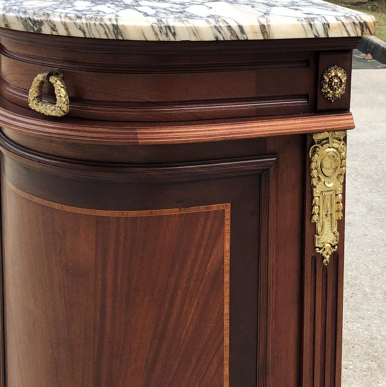 19th Century French Louis XVI Mahogany Marquetry Marble-Top Buffet For Sale 5