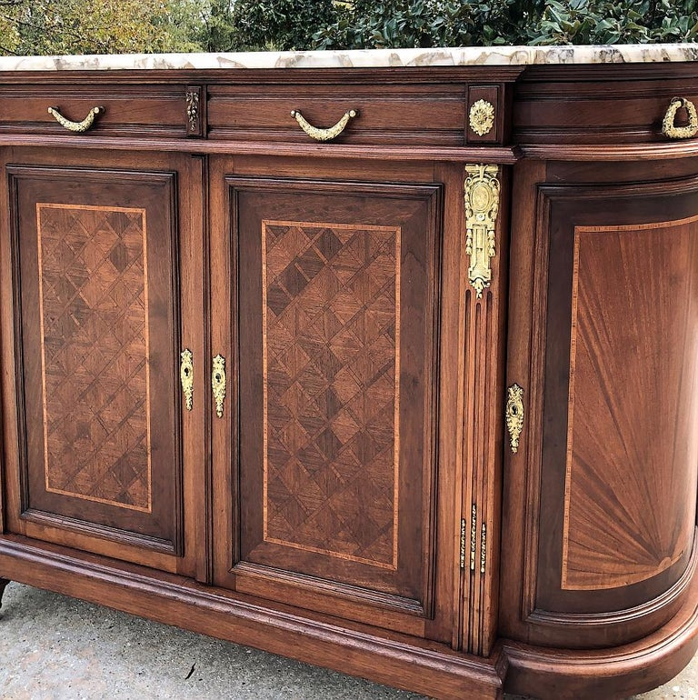 19th Century French Louis XVI Mahogany Marquetry Marble-Top Buffet For Sale 4
