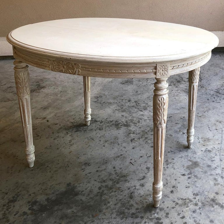 Wood 19th Century French Louis XVI Oval Painted Center Table For Sale