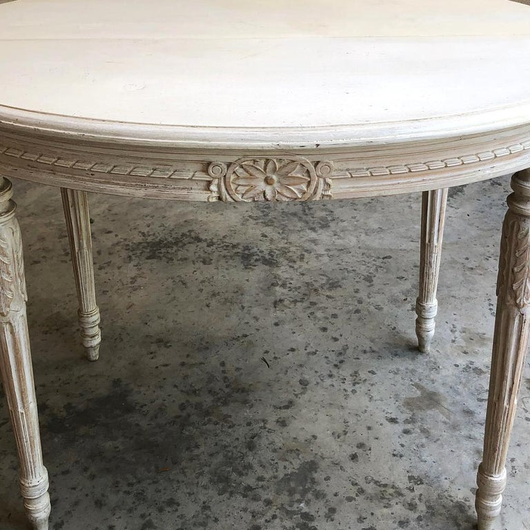 19th Century French Louis XVI Oval Painted Center Table For Sale 1