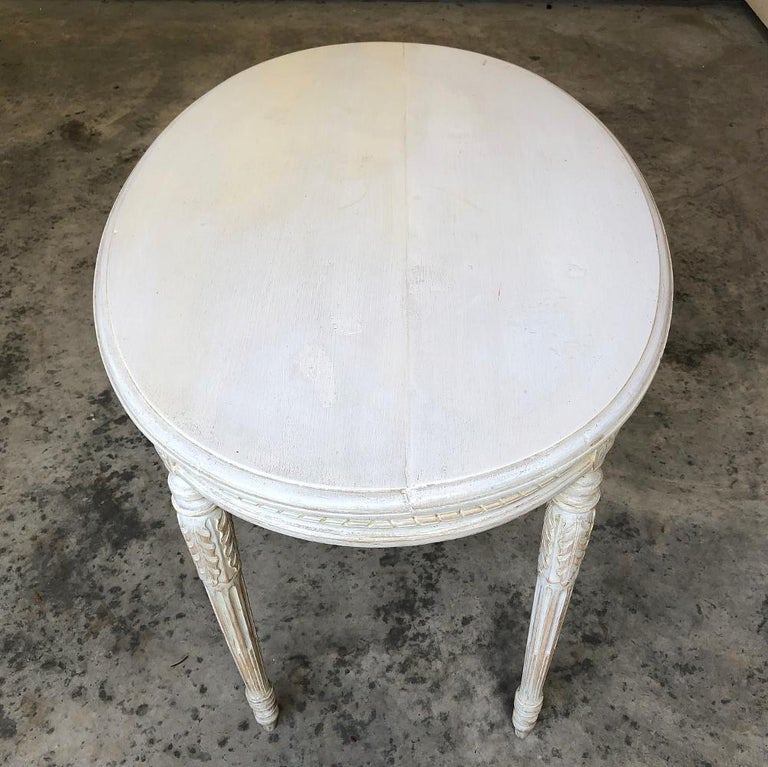 19th Century French Louis XVI Oval Painted Center Table For Sale 3