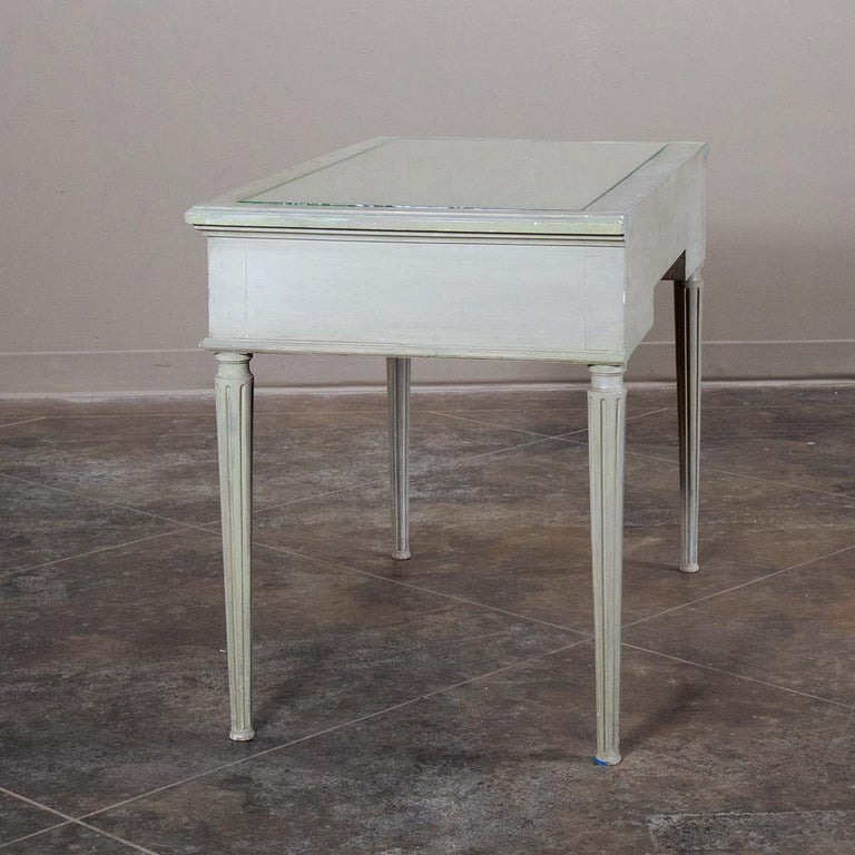 19th Century French Louis XVI Painted Vanity, Writing Table For Sale 4