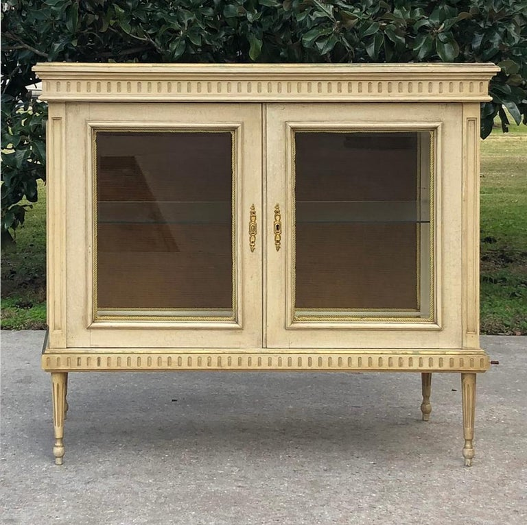 Late 19th Century 19th Century French Louis XVI Painted Vitrine For Sale