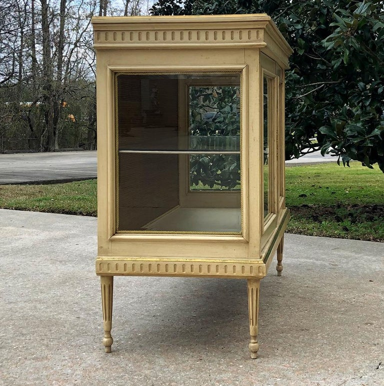 Wood 19th Century French Louis XVI Painted Vitrine For Sale