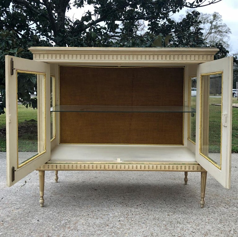 19th Century French Louis XVI Painted Vitrine For Sale 1