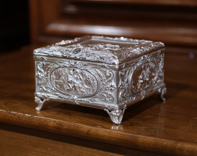 19th Century French Louis XVI Silver on Copper Ornate Repoussé Jewelry Casket For Sale 2