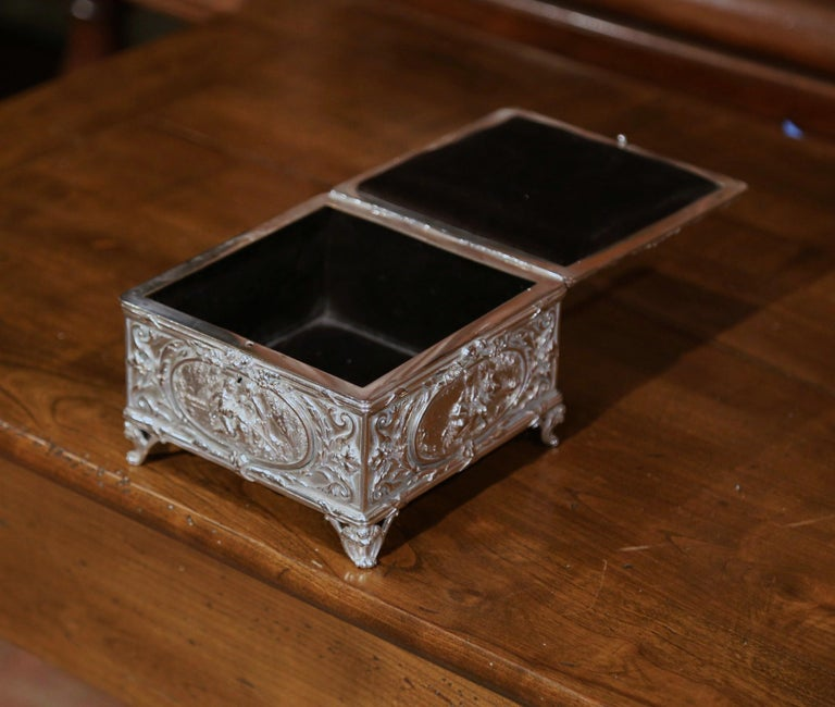 19th Century French Louis XVI Silver on Copper Ornate Repoussé Jewelry Casket For Sale 3