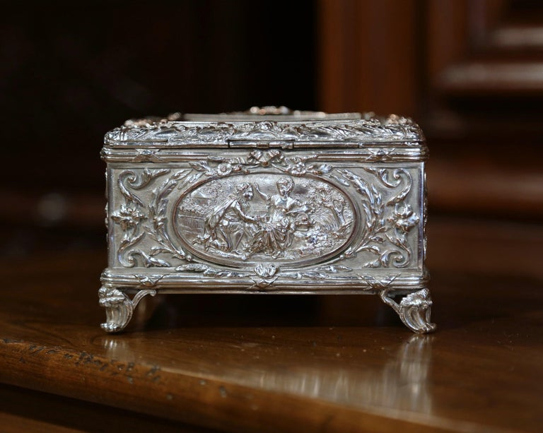 19th Century French Louis XVI Silver on Copper Ornate Repoussé Jewelry Casket For Sale 4