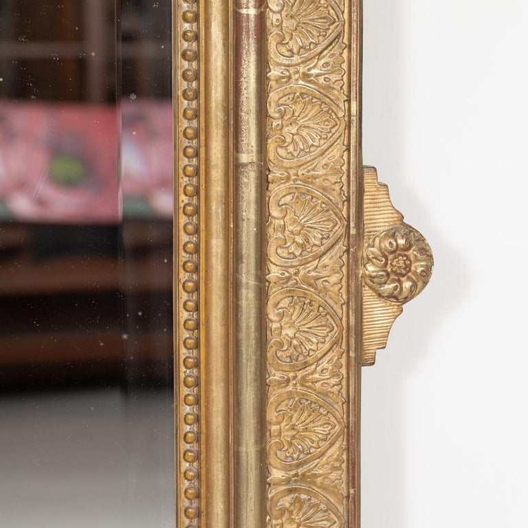 19th Century French Louis XVI Style Carved Giltwood Mirror For Sale 5