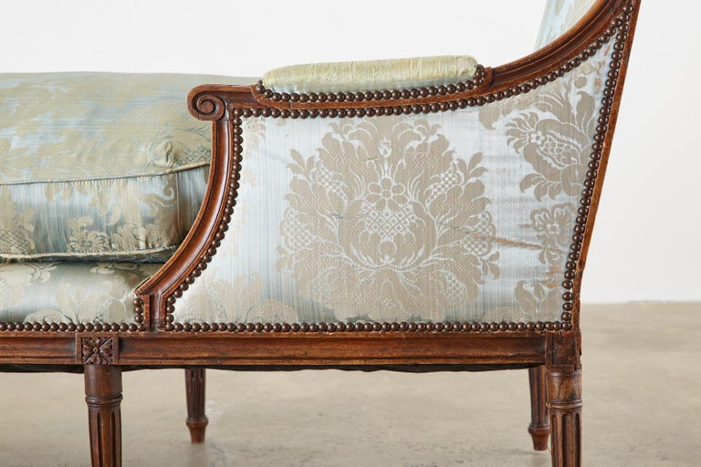 19th Century French Louis XVI Style Chaise Lounge Daybed For Sale 6