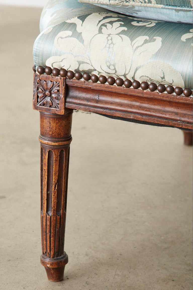 19th Century French Louis XVI Style Chaise Lounge Daybed For Sale 9
